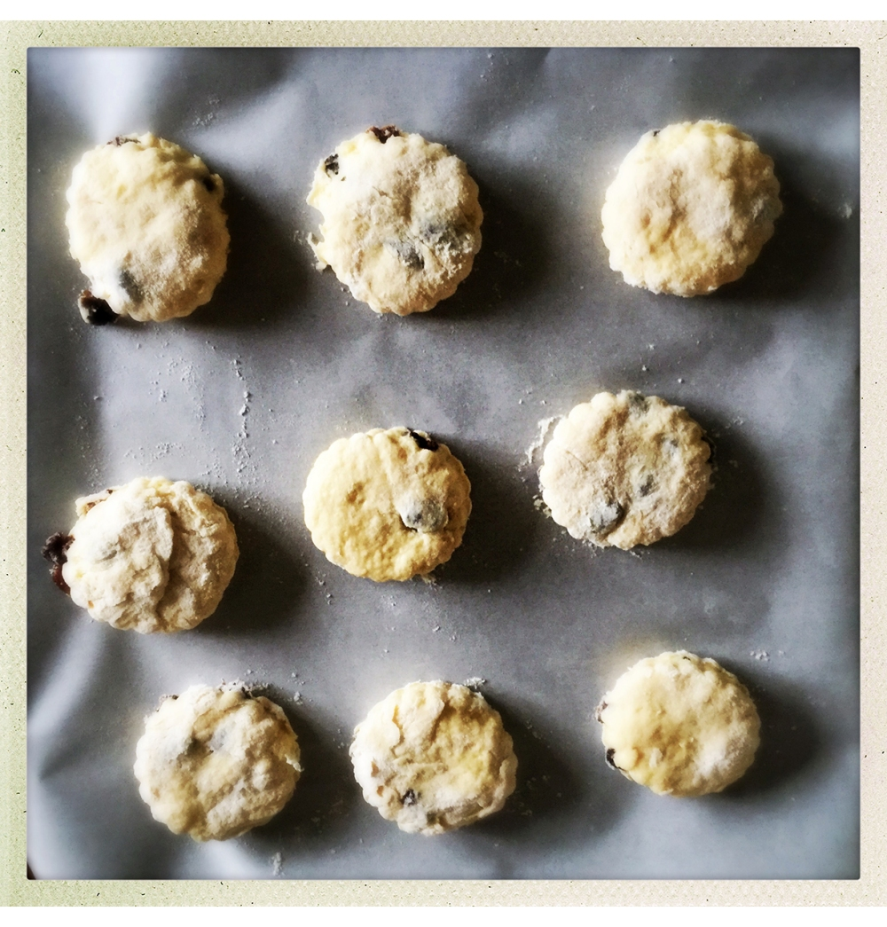 scones-cut-on-tray