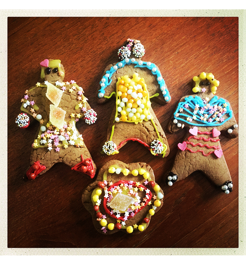 GINGERBREAD MEN DECORATED.jpg